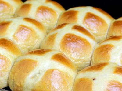 Pan de pascua HOT CROOS BUN