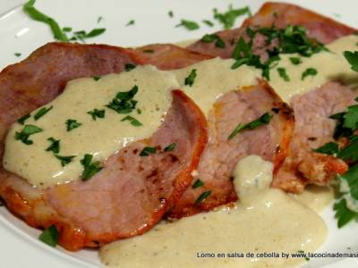 Lomo de cerdo en salsa de cebolla